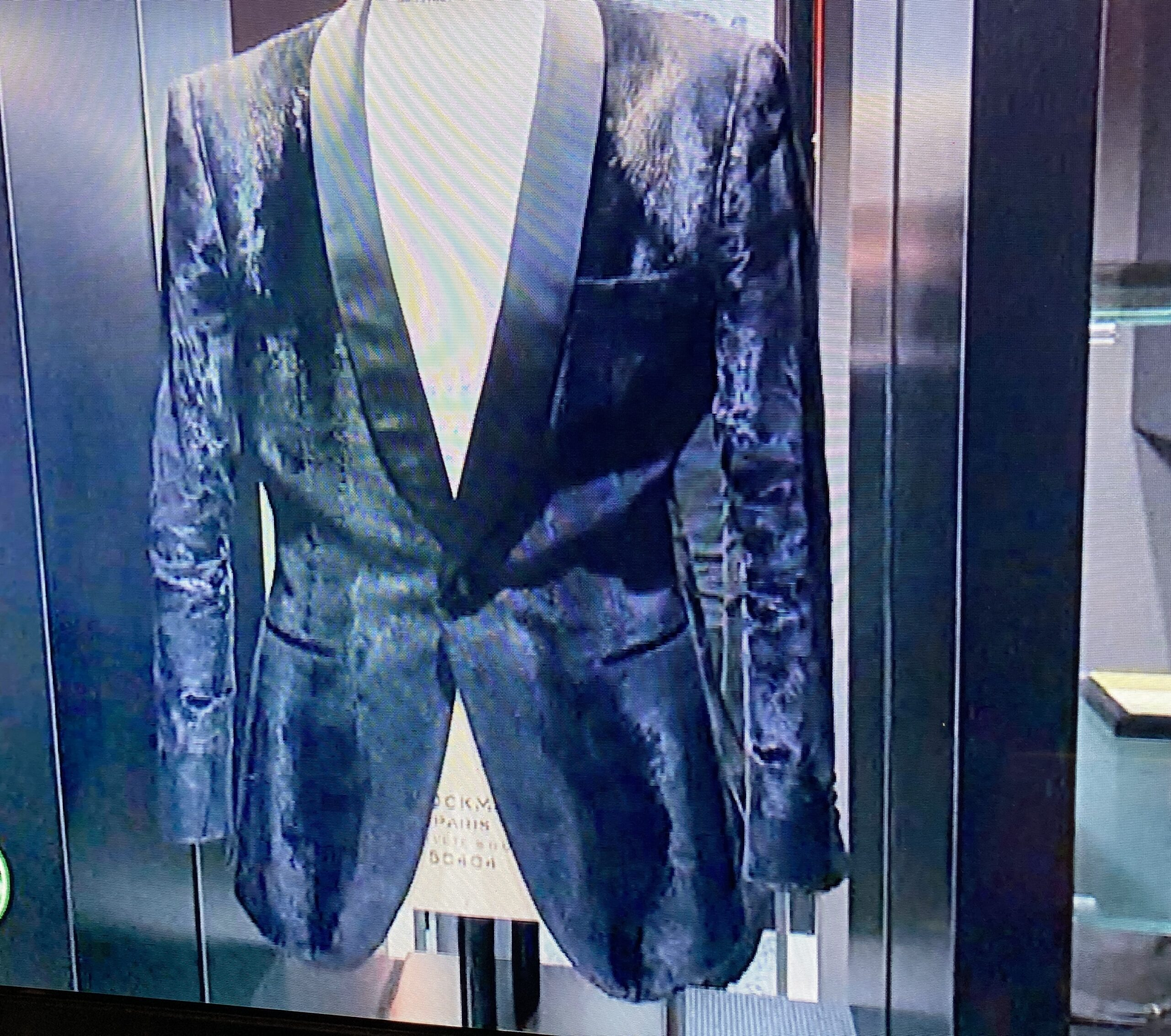 ローランドのクローゼットの唯一の服